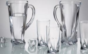 3 cách sử dụng nguyên liệu vô cùng đơn giản để đánh bóng đồ thủy tinh.